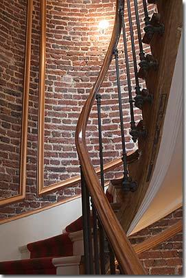 Hotel le 123 elys es par s 4 estrellas visite nuestro - Escaleras de ladrillo ...