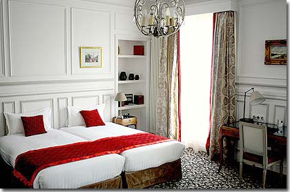Hotel bradford elysees paris 4 toiles visitez notre for Decoration haussmannienne