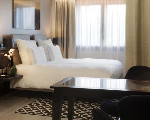 Ac hotel porte maillot by marriott paris 4 star 6 rue for Hotel porte maillot
