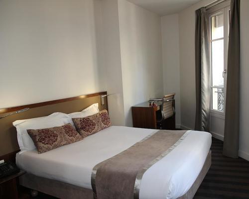 Art h tel batignolles paris 3 star 110 rue legendre 75017 for Hotels 75017