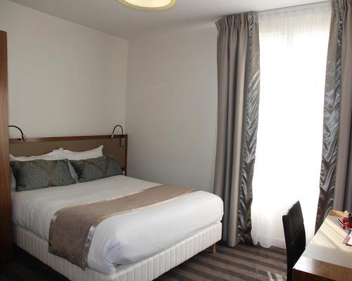 art hotel eiffel paris 3 toiles 136 boulevard de grenelle 75015. Black Bedroom Furniture Sets. Home Design Ideas