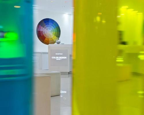 Color design hotel paris 3 toiles 35 rue de citeaux 75012 for Color design hotel paris