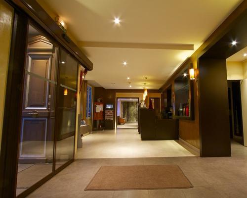 comfort hotel andr latin paris 5 3 estrellas 50 52 rue gay lussac. Black Bedroom Furniture Sets. Home Design Ideas