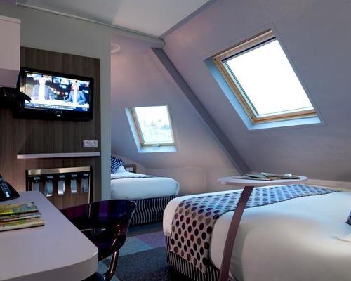 Comfort hotel nation paris 11 3 star 12 rue l on frot 75011 for Hotel design paris 11