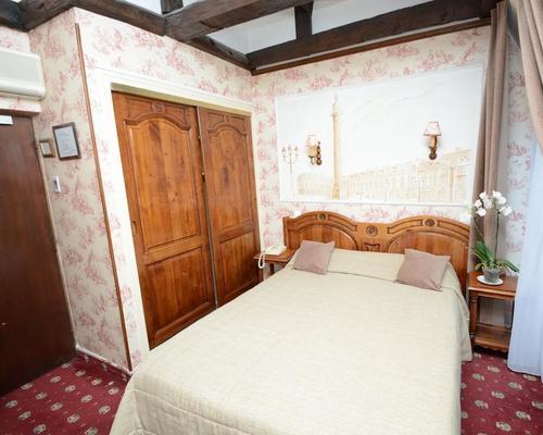 familia hotel paris 2 star 11 rue des coles 75005
