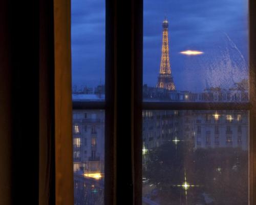 First hotel paris tour eiffel 4 toiles 2 bd garibaldi 75015 for Hotel paris x