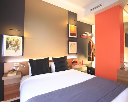 Fred 39 hotel paris 3 star 11 avenue villemain 75014 for Hotel paris 11