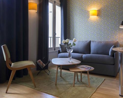 helzear champs elys es paris 4 toiles 49 avenue marceau 75116. Black Bedroom Furniture Sets. Home Design Ideas