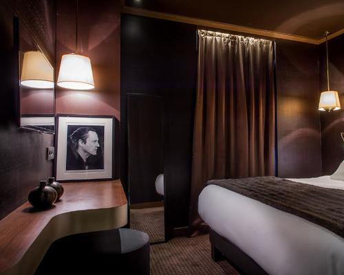 Hotel armoni paris by elegancia 3 star 7 villa berthier for Hotels 75017