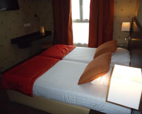 H tel de l 39 exposition tour eiffel paris 3 estrelas 75015 for Hotels 75015