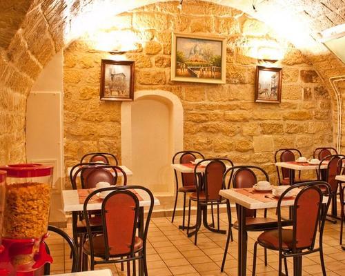 Hotel De Paris Montmartre  Rue Biot  Paris