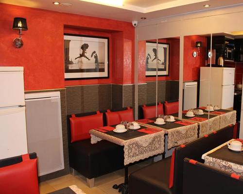 h tel des buttes chaumont paris 2 toiles 4 avenue secretan 75019. Black Bedroom Furniture Sets. Home Design Ideas
