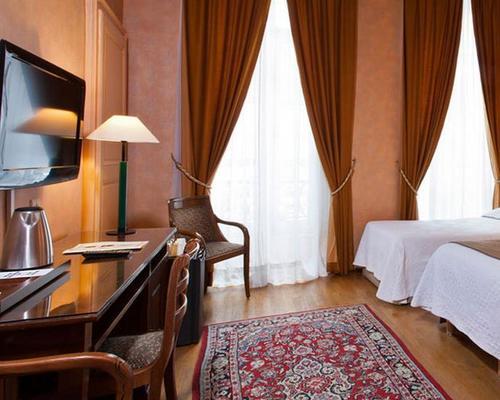 H tel du palais bourbon paris 3 star 49 rue de bourgogne 75007 - Hotel du palais bourbon ...