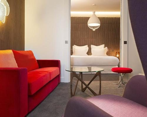 H tel dupond smith paris 5 toiles 2 rue des for Hotel design 5 etoiles paris
