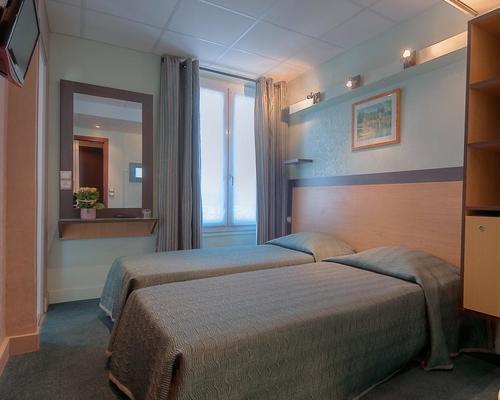 Hotel elys e etoile paris 2 stella 5 rue de l 39 etoile 75017 for Hotels 75017