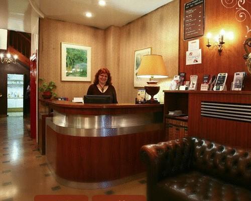 hotel modern est 2 91 boulevard de strasbourg 75010