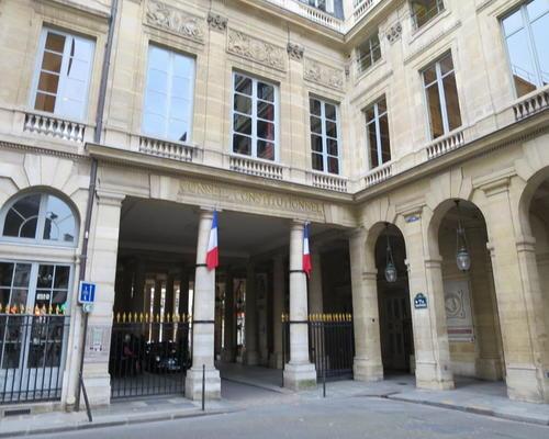 Hotel montpensier paris 2 toiles 12 rue de richelieu 75001 for Appart hotel 2 etoiles paris