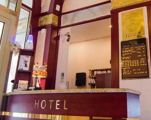 hotel paris bruxelles 2 star 4 rue meslay 75003. Black Bedroom Furniture Sets. Home Design Ideas