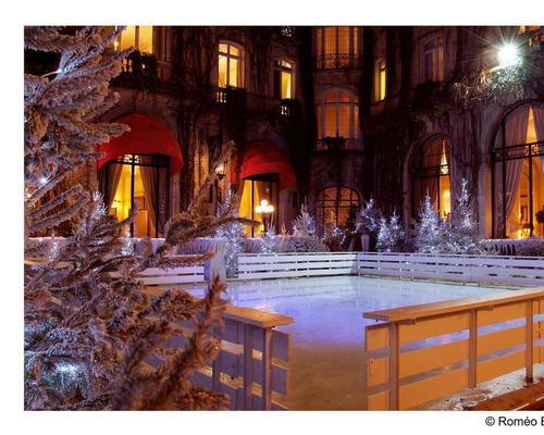 hotel plaza athenee paris 5 star 25 avenue montaigne 75008. Black Bedroom Furniture Sets. Home Design Ideas