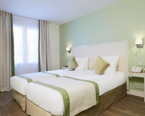 Hotel Kyriad Paris  Montmartre