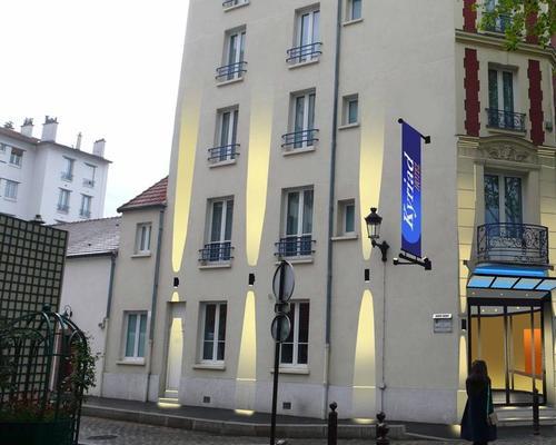 Hotel Kyriad Paris Ouest