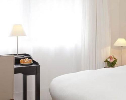 la maison champs elys es paris 5 stella 8 rue jean goujon 75008. Black Bedroom Furniture Sets. Home Design Ideas