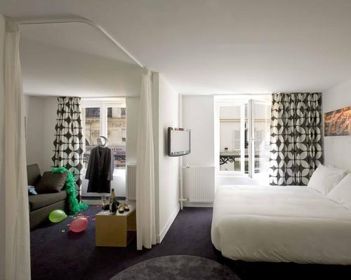 Maxim folies paris 3 star 14 rue geoffroy marie 75009 for Maxim design hotel 3 star