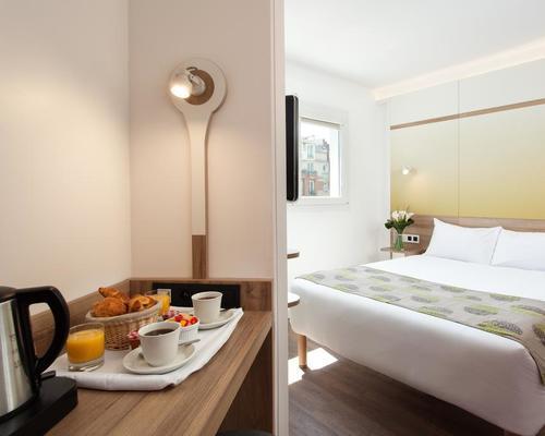 Median paris porte de versailles 3 star 1 bvd victor 75015 - Hotel median porte de versailles ...