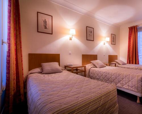 Modern h tel montmartre paris 2 star 3 rue forest 75018 for Modern hotel paris