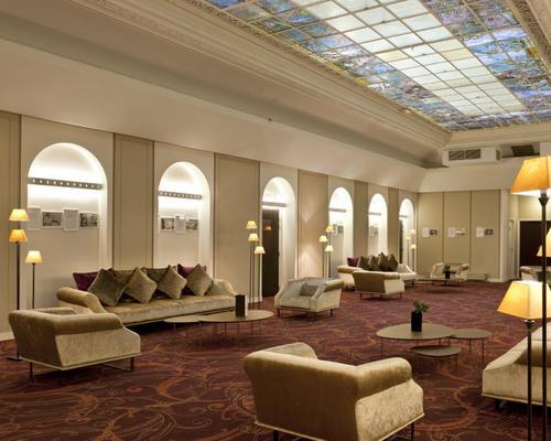 provinces opera paris 3 stern 36 rue de l 39 echiquier 75010. Black Bedroom Furniture Sets. Home Design Ideas