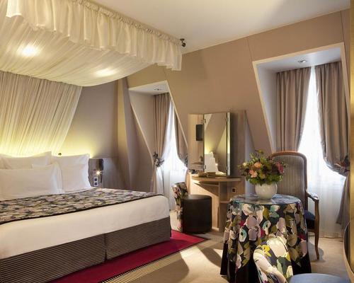 hotel regent paris:
