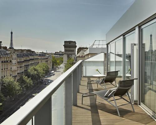 renaissance paris arc de triomphe 5 toiles 39 avenue de wagram 75017. Black Bedroom Furniture Sets. Home Design Ideas