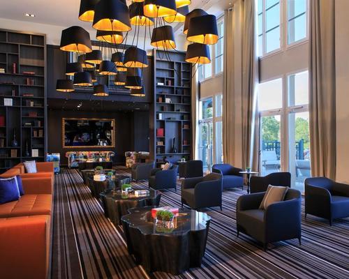 renaissance paris hippodrome de saint cloud rueil malmaison 4 stella 92500. Black Bedroom Furniture Sets. Home Design Ideas