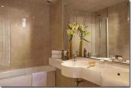 Hotel henri 4 rive gauche parigi 3 stelle visitate il - Sala da bagno ...