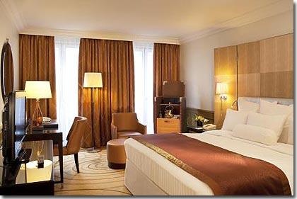 Paris hotel luxury guest room for Hotel design paris 5