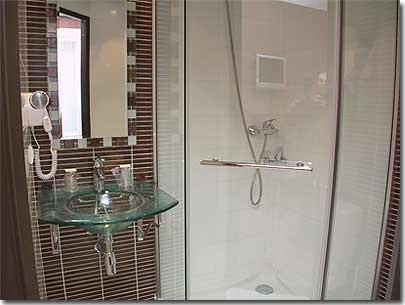 hotel convention montparnasse paris 2 toiles visitez notre h tel pr sentation descriptions. Black Bedroom Furniture Sets. Home Design Ideas