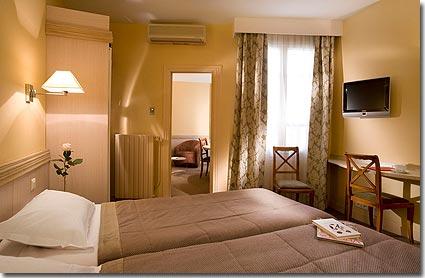 hotel londres et new york paris 3 toiles visitez notre h tel pr sentation descriptions et. Black Bedroom Furniture Sets. Home Design Ideas