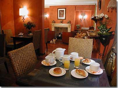 Hotel de la sorbonne paris 2 toiles visitez notre h tel pr sentation de - Couleur chaude pour salon ...