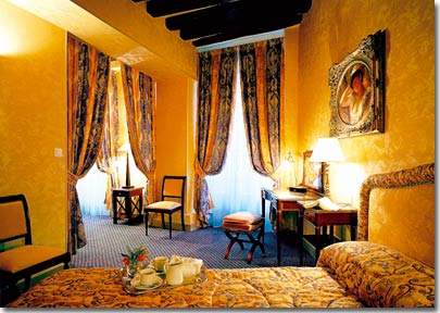 Residence des Arts Paris 3* star near the Latin Quarter (Quartier Latin) and boulevard Saint Michel, Left Bank area