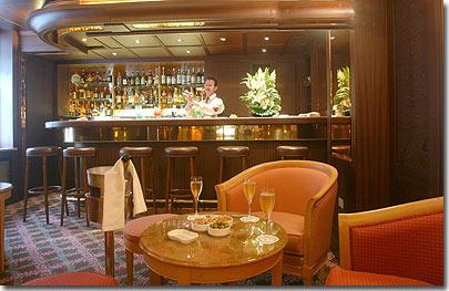 Hotel splendid etoile paris 4 sterne besuchen sie unser for Salon de coiffure afro champs elysees